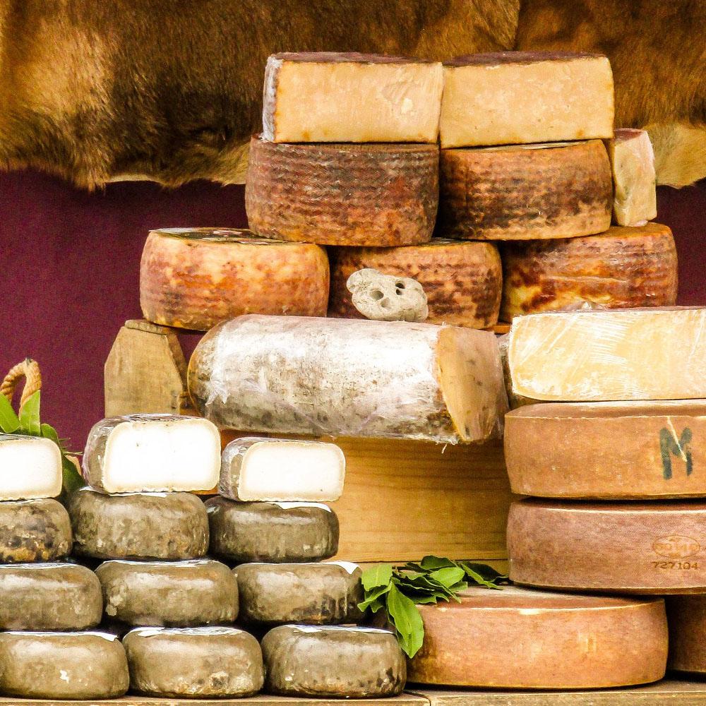 Venta de quesos en Gijón