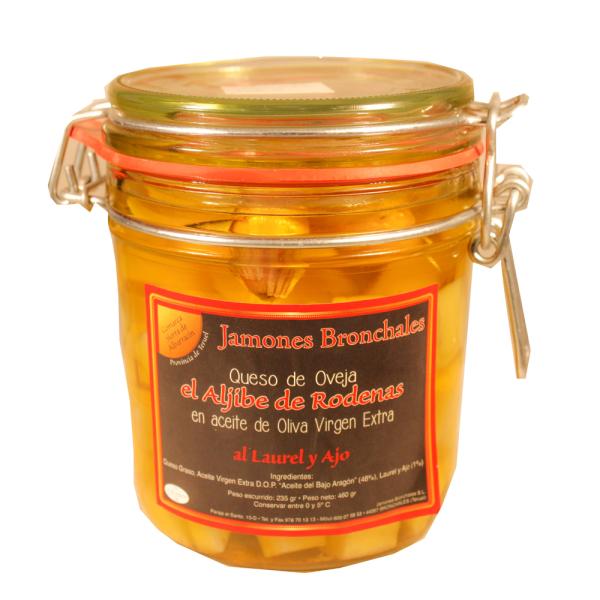 Venta de Queso de oveja en aceite de oliva con ajo y laurel