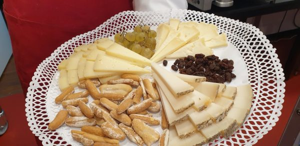 Venta de tablas de quesos en Quesería Pantruque Gijón