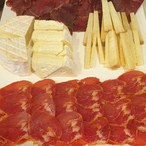 Venta de tablas de quesos y embutidos en Gijón Asturias